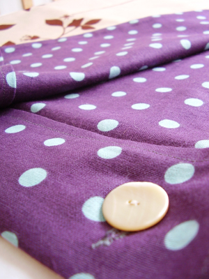 Buttoncotspread